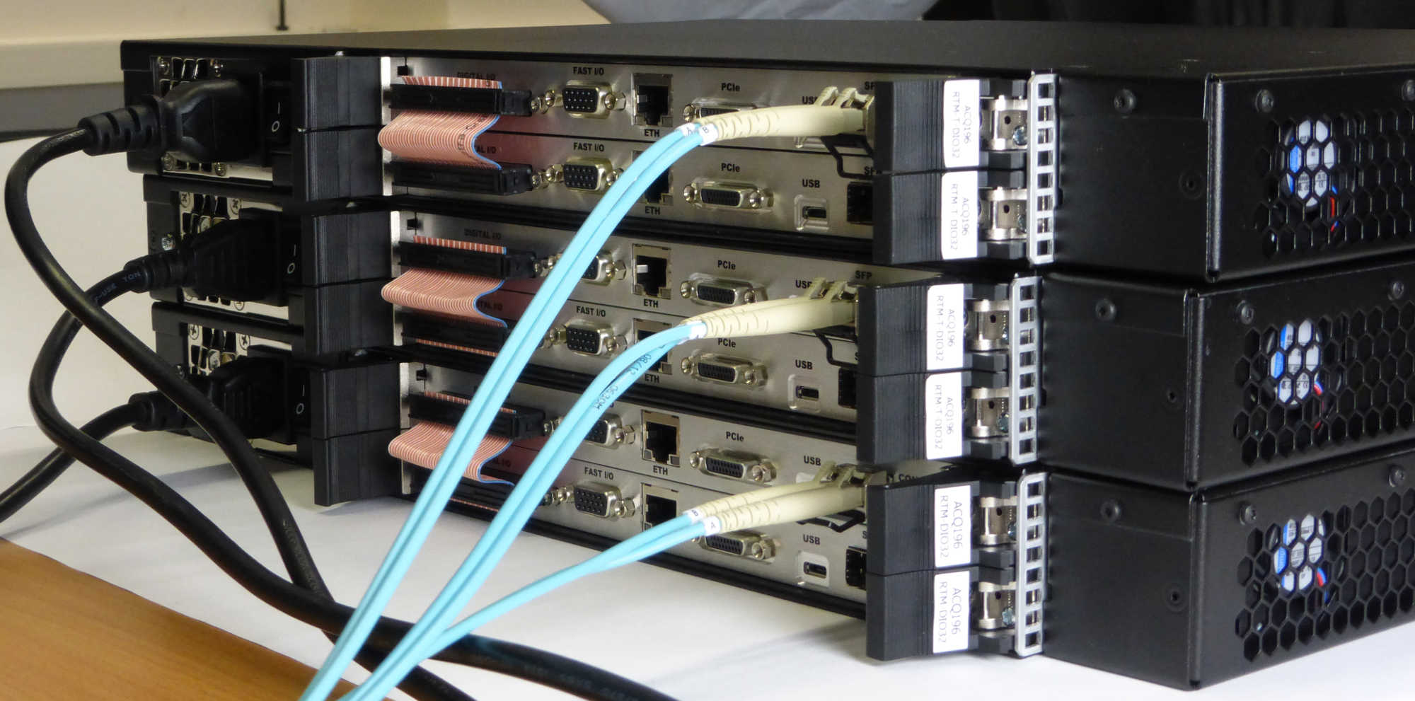 AO32CPCI/RTM-T Rear View showing fiber optic cable, one per card pair
